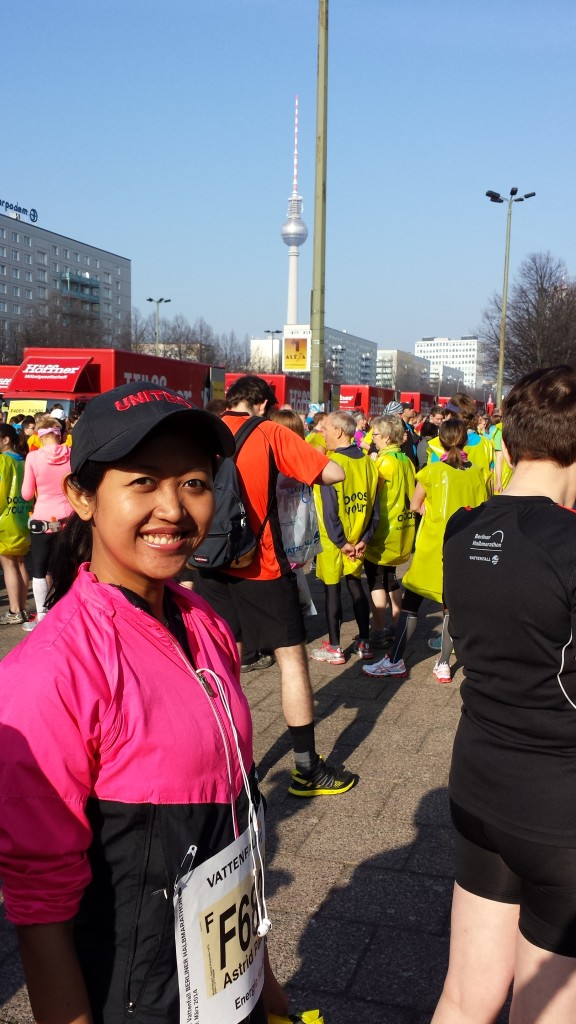 Before the race. And no, I don't look like this throughout the run! :D